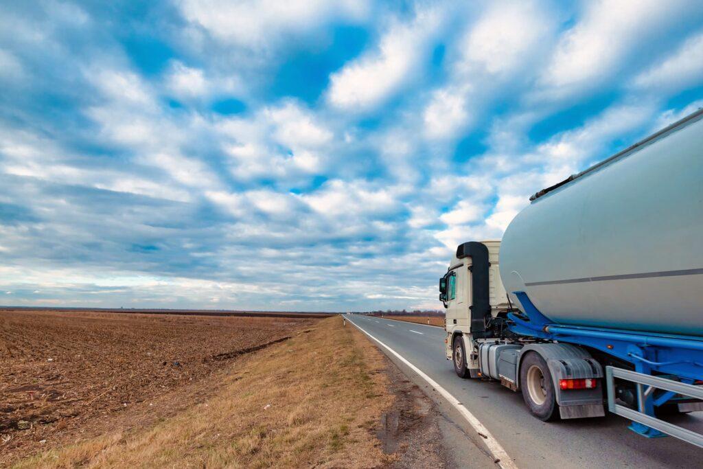 Transporte de Cargas Líquidas - Grupo TLOG